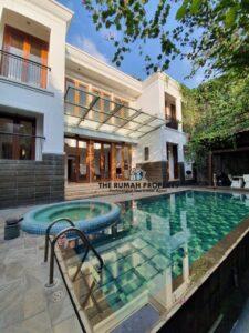 rumah disewakan di kemang dengan kolam renang